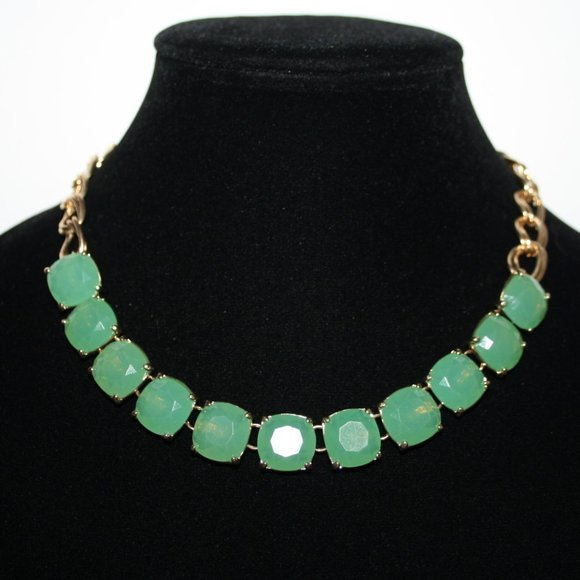 """Beautiful gold and green gem necklace 16"""""""